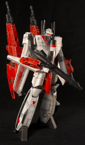 From 1:48 scale Yamato Valkyrie to Custom Transformers Masterpiece Jetfire