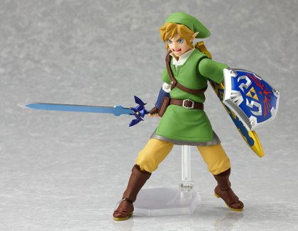 Figma Link with Master Sword and Hylian Shield with Shouting Face For Combat Poses