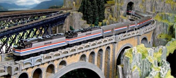 N EMD F40PH Amtrak Phase III with Ditch Lights and Phase III Amfleet II Cars
