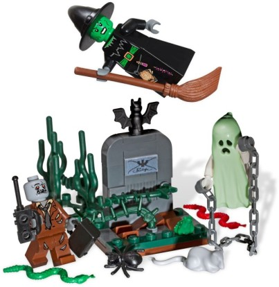 Minifigure Halloween Set with Zombie, Ghost and Witch in Graveyard