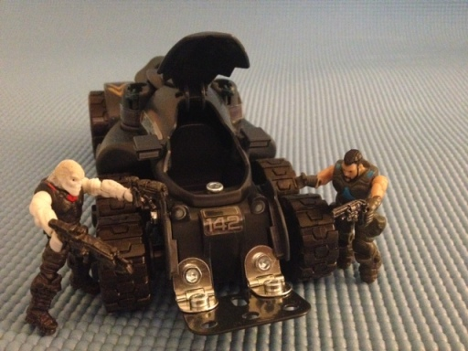 Erector Gears Of War Armadillo Construction Set Figures