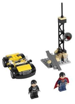 LEGO DC Universe 76002 Superman's Metropolis Showdown