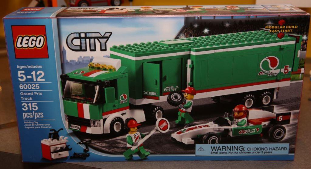 LEGO City 60025 Grand Prix Truck