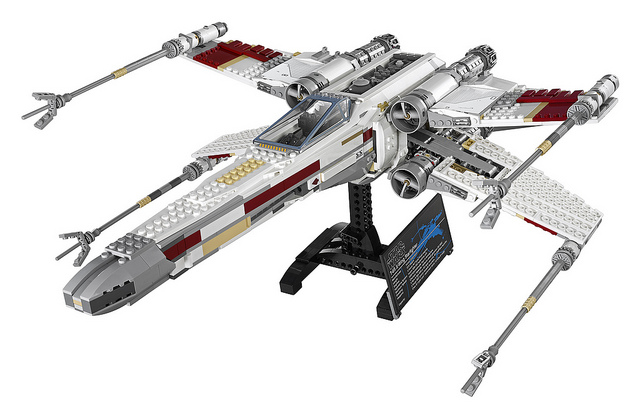 LEGO Star Wars UCS 10240 Red Five X-Wing Starfighter