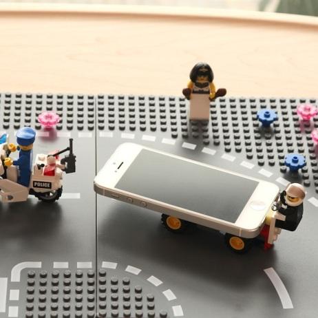 KBme2 iPhone 5 Brick Lightning Cap