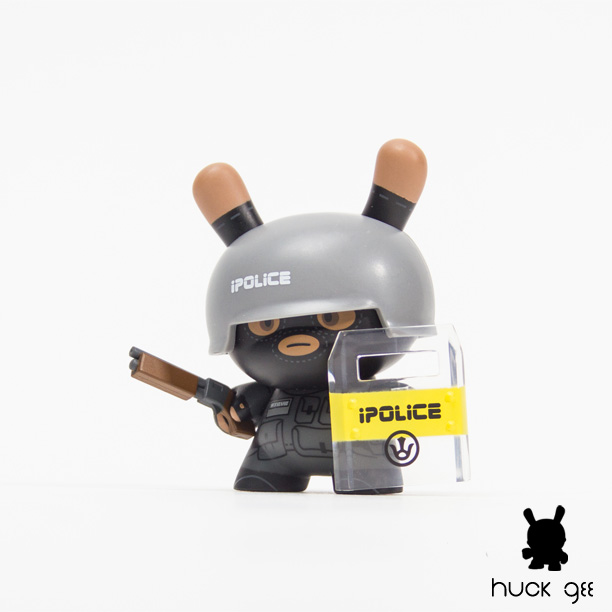 Huck Gee iPolice Dunny
