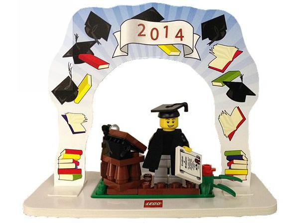 LEGO Classic Minifigure Graduation Set  2014